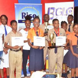 Group photo with students are the top 10 schools contestants